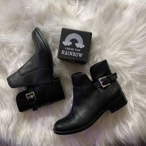 Crown vintage black booties